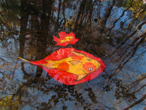 Leaf Fishes Swimming Along by kaikaku