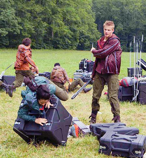 Cato Kills District 4 Female by KestrelStarYT