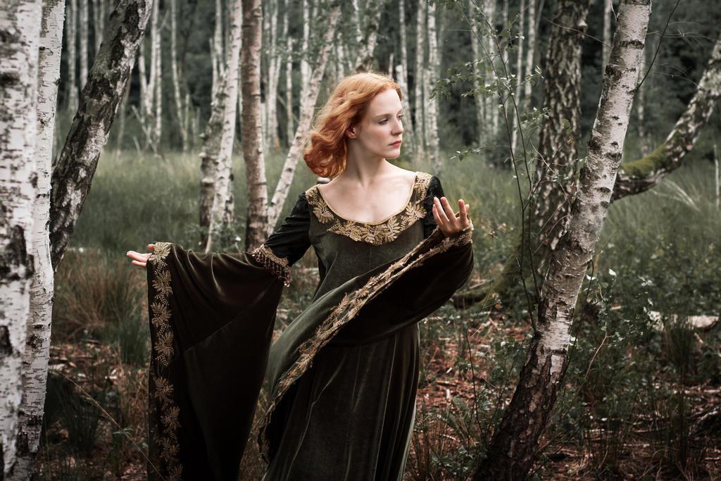 Priestess of Avalon by KittiraCatinka