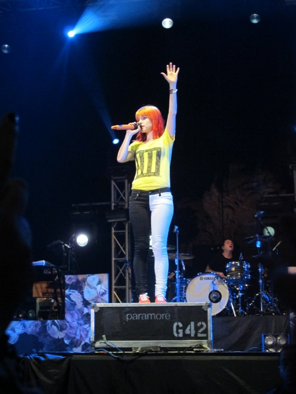 Paramore Live 60 by VICINITYOFOBSC3NITY