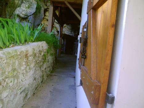Chemin vers la grotte -Pons