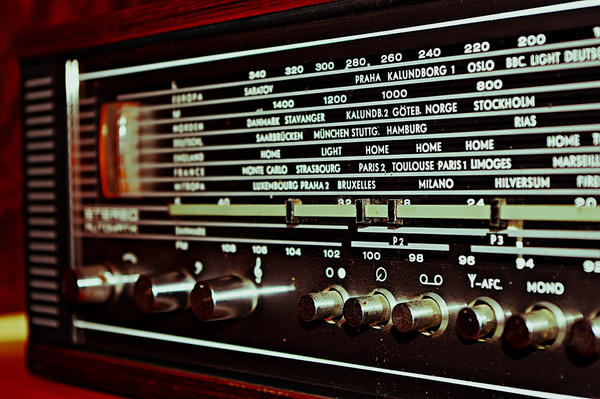 Old School Radio by buntscheck