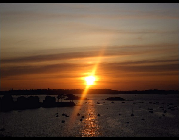 Sunset by 0pen-y0ur-eyes