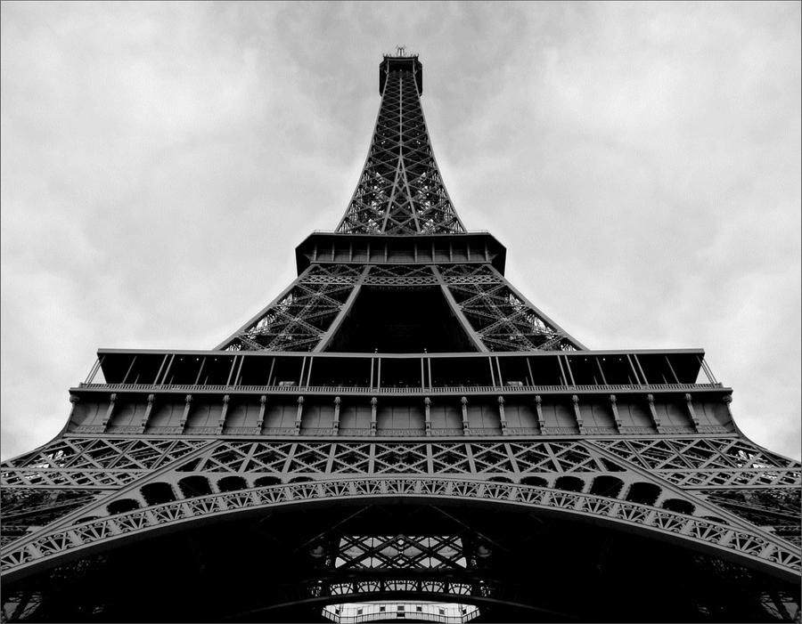 Eiffel Tower III by 0pen-y0ur-eyes