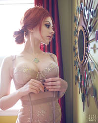 .: Triss :. by sideshowsito