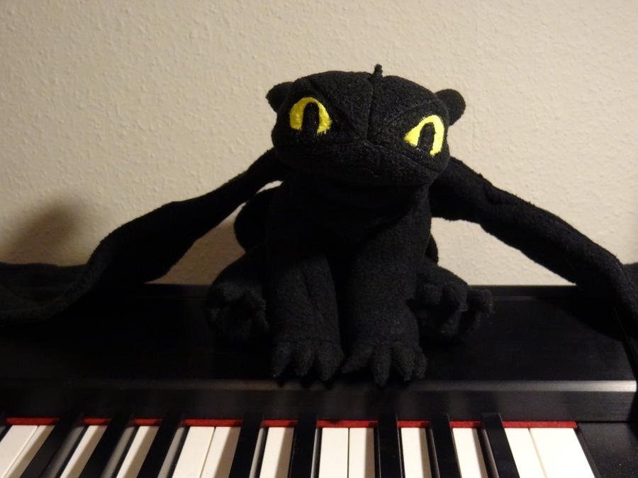 Toothless Chilling On My Stagepiano Sitting Pose By