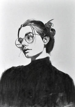 woman portrait with glasses