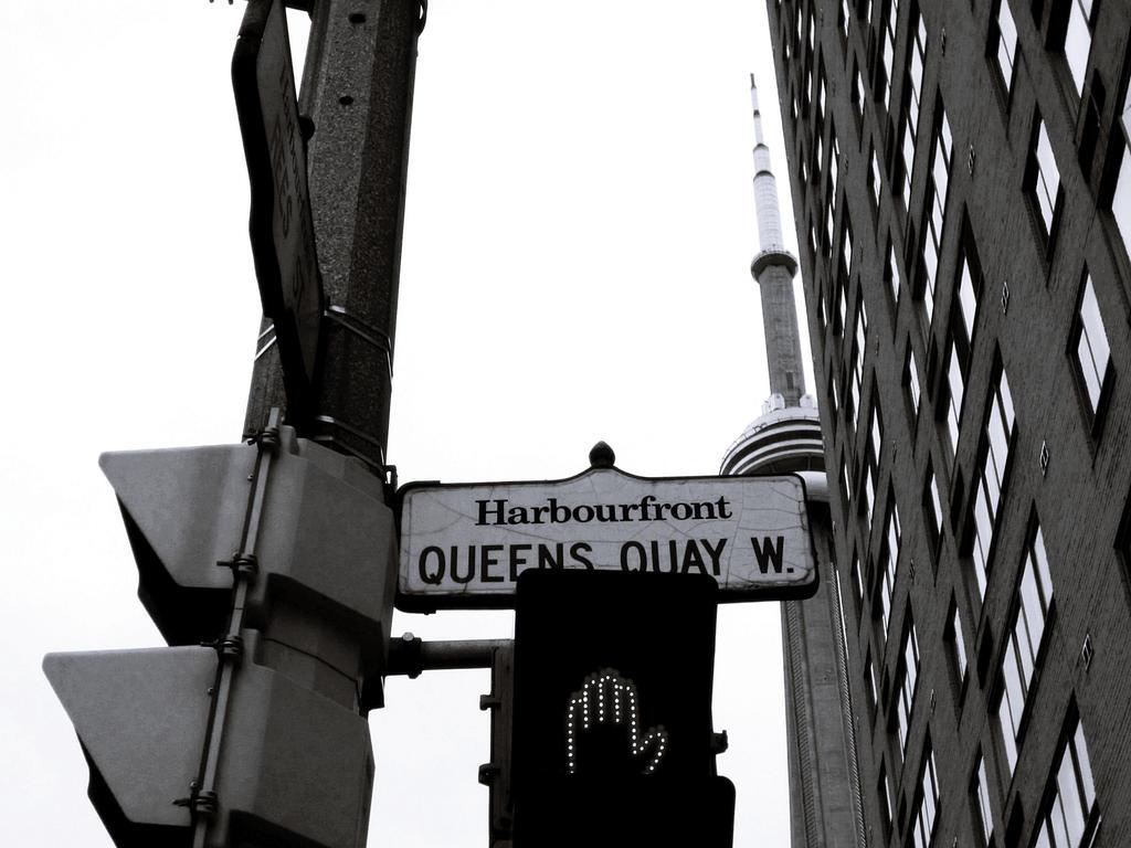 Harbourfront by GirlinTranslation