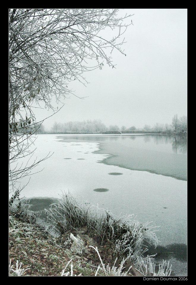 Frozen Lake by kil1k