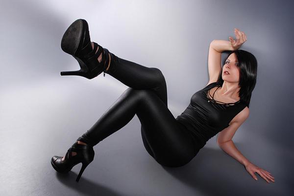visoke potpetice... - Page 5 Lick_my_heels_by_misplaceddream-d3gh5wk