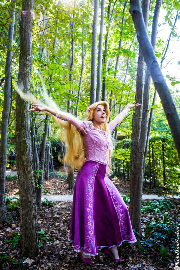 Rapunzel Cosplay by clefchan