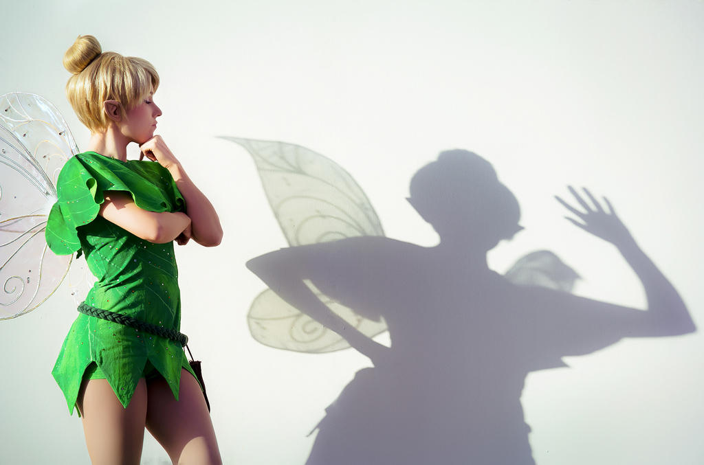 Tinkerbell's shadow... by clefchan