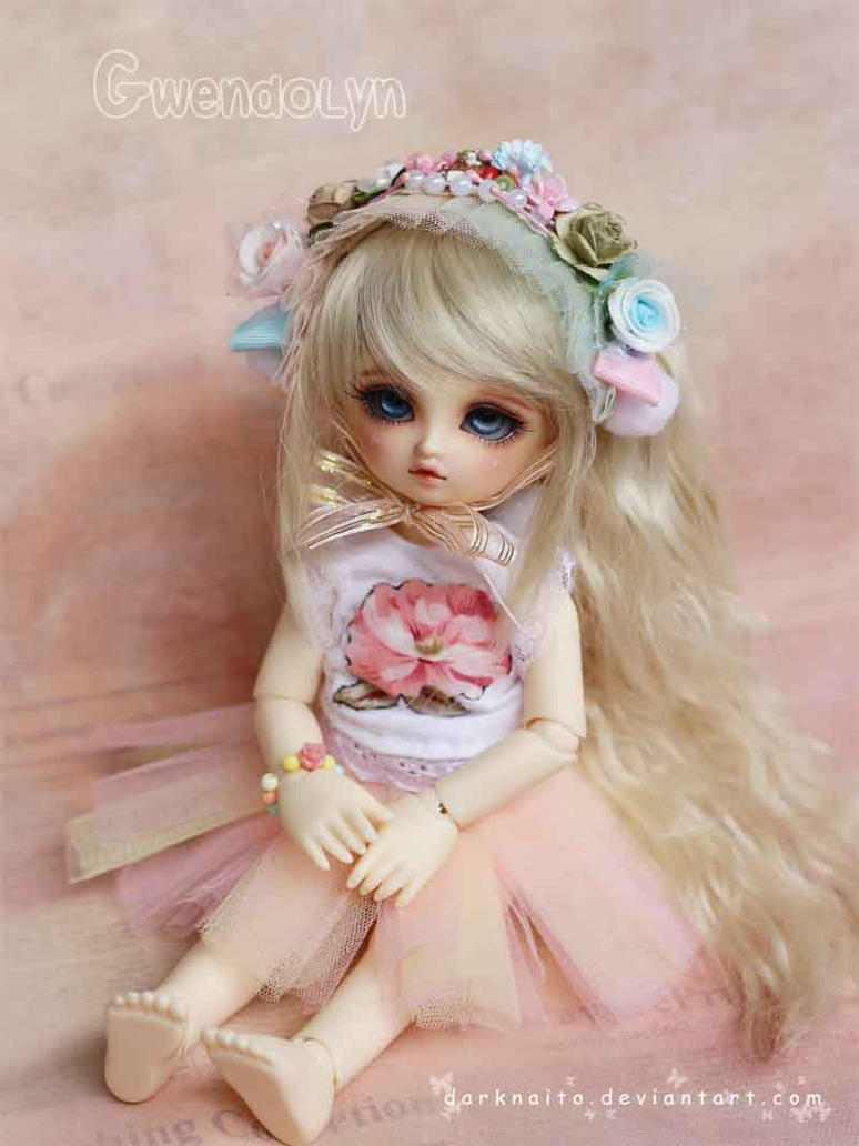 Gwendolyn: Layer cake headdresses by darknaito