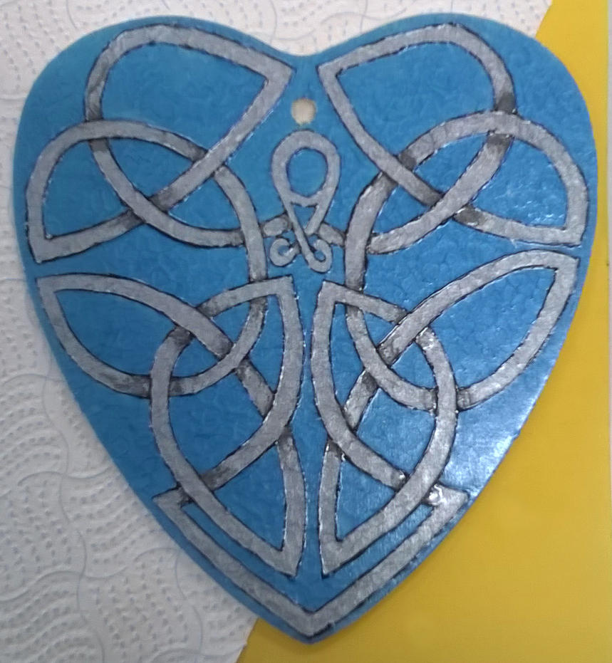 Celtic Heart by Dr-Shiny