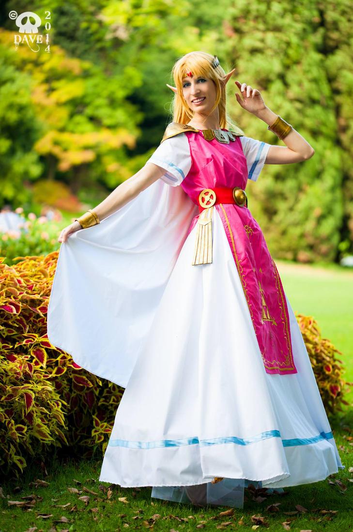 Princess Zelda by LadyMascetti