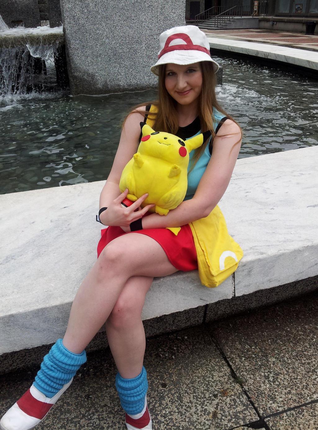 Pokemon trainer leaf cosplay