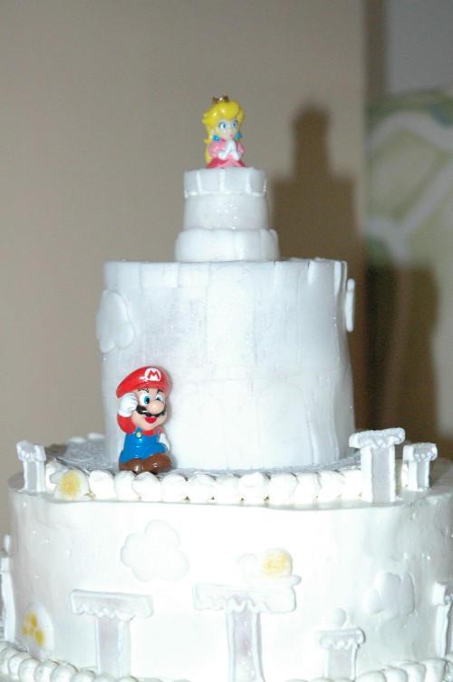 Wedding Cake Topper a\'la Mario by SarshelYam on DeviantArt