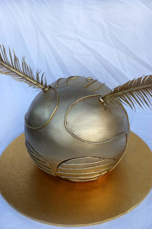 Harry Potter Snitch Cake by Verusca