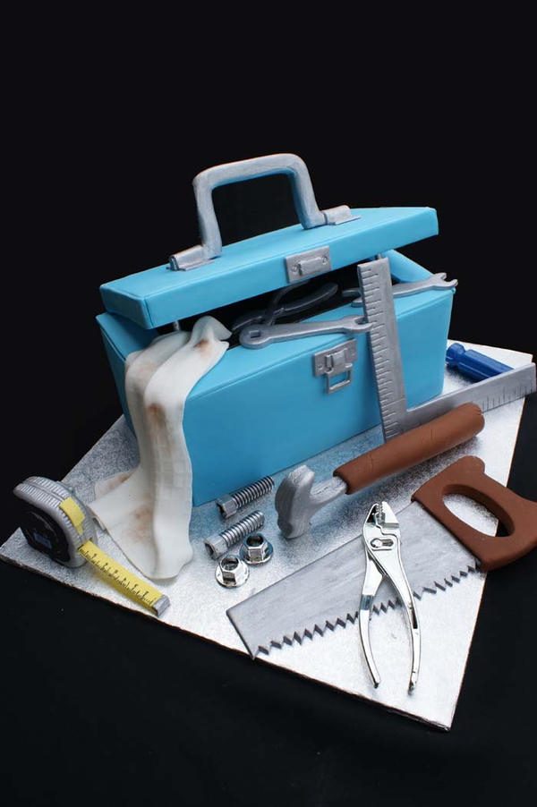 Tool Box Cake by Verusca