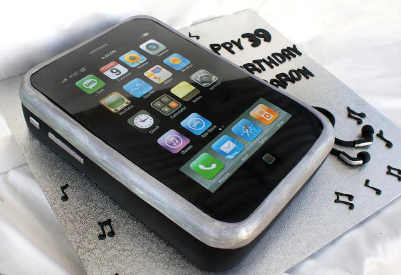 Iphone Cake by Verusca on DeviantArt