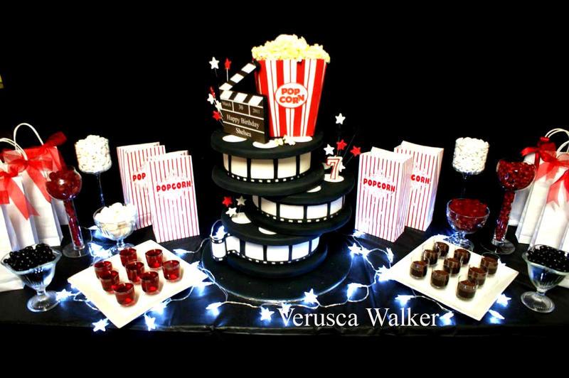 Photos bild galeria decoration cinema for Table theme cinema