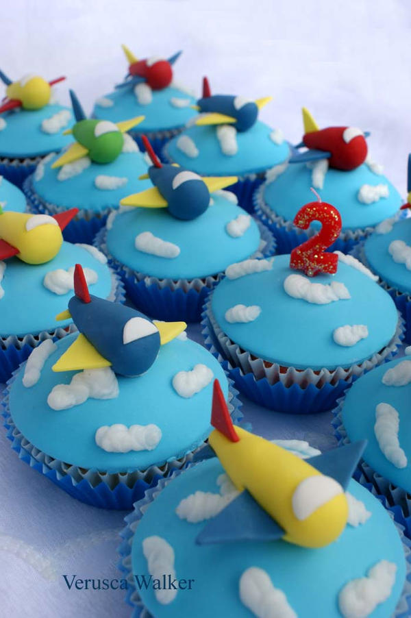 airplane cupcakes by Verusca on DeviantArt