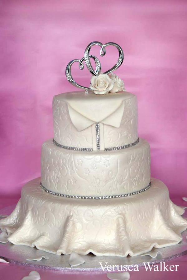 Wedding Dress Cake by Verusca