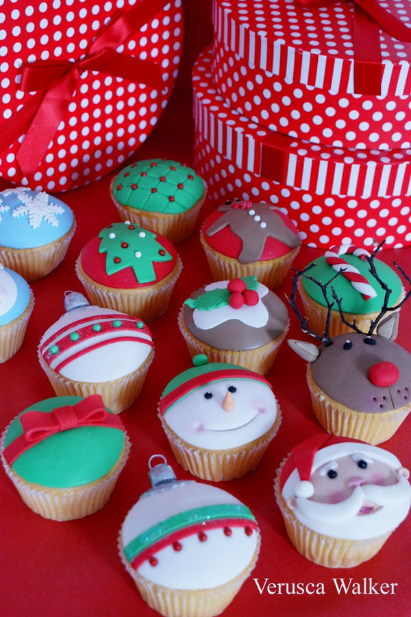 Xmas Cupcakes by Verusca