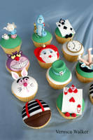 Alice in Wonderland Cupcakes by Verusca