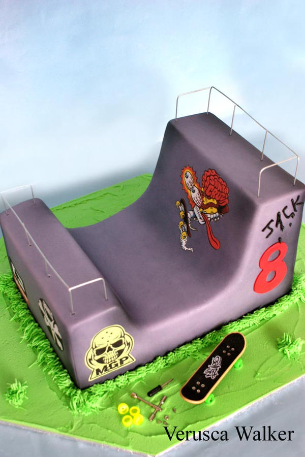 Halfpipe Cake by Verusca