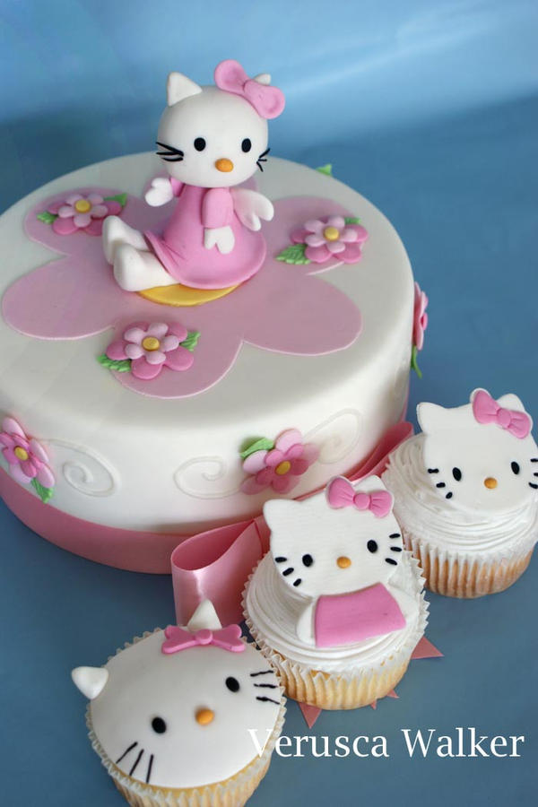 Kitty Cake by Verusca