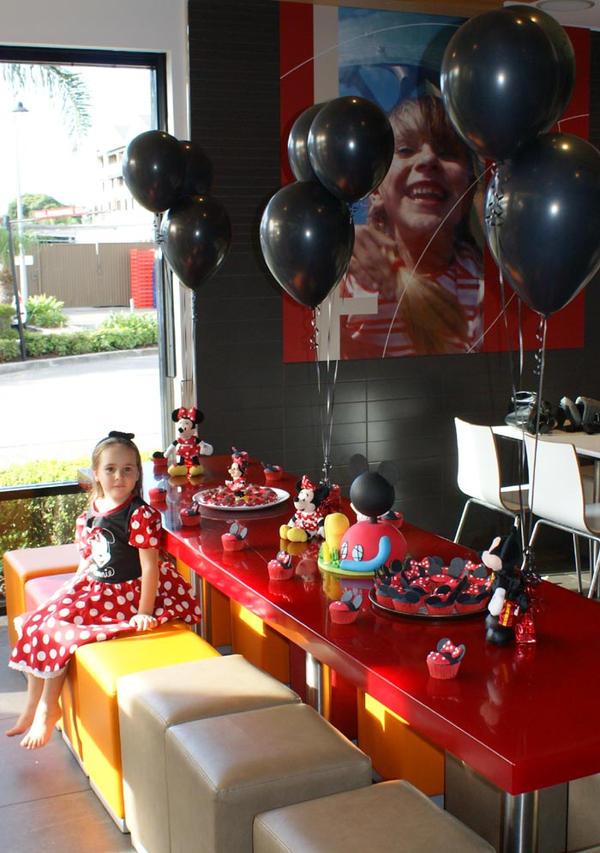 Mickey Mouse decoration by Verusca