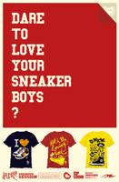 sneakers in tee