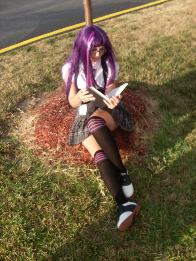 twilight_sparkle_cosplay_by_thundertaki-d46nsj9.jpg