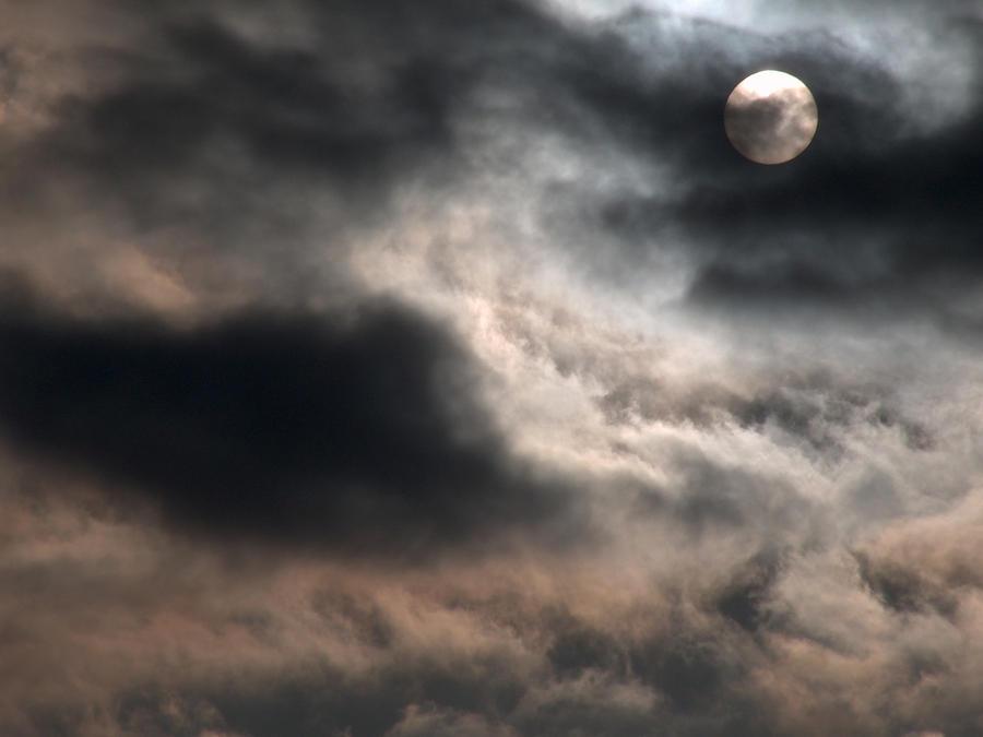 howl for me.. by PolaristheCepheid