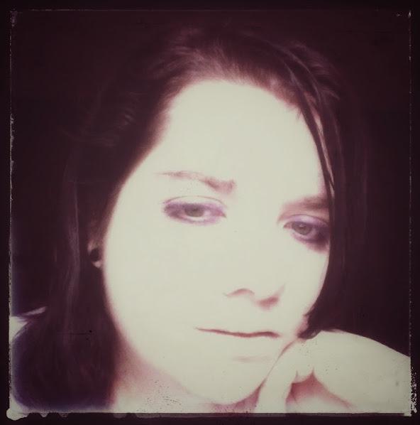 DarkAngelsRhapsody's Profile Picture