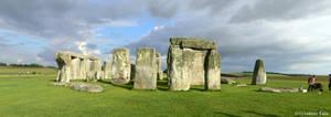 UK - Stonehenge panorama by Ludo38