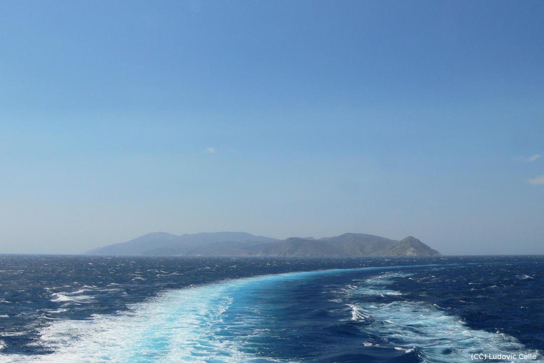 Greece - Leaving Naxos (HD) by Ludo38