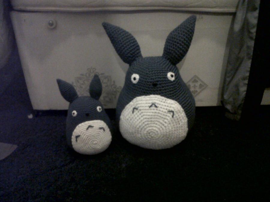 Totoro En Amigurumi : Totoro Amigurumi by DwntheRabbitHole on DeviantArt