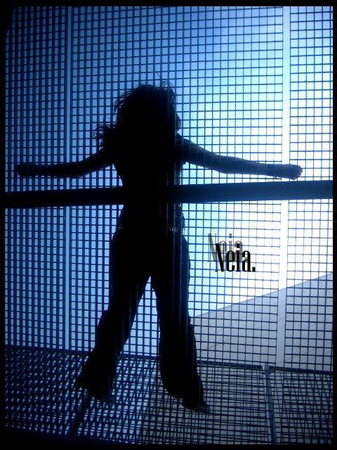 dancing shadow by NeiaPunka