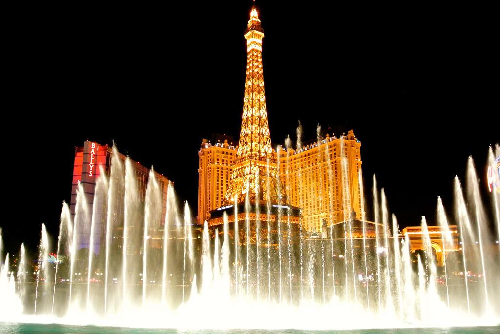 Aaahh Paris, my favorite place at Vegas by rafaelmcsilveira