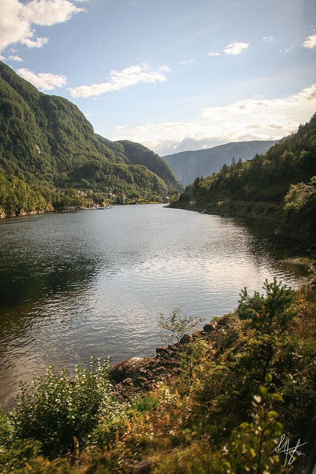 Norway by Gibbich