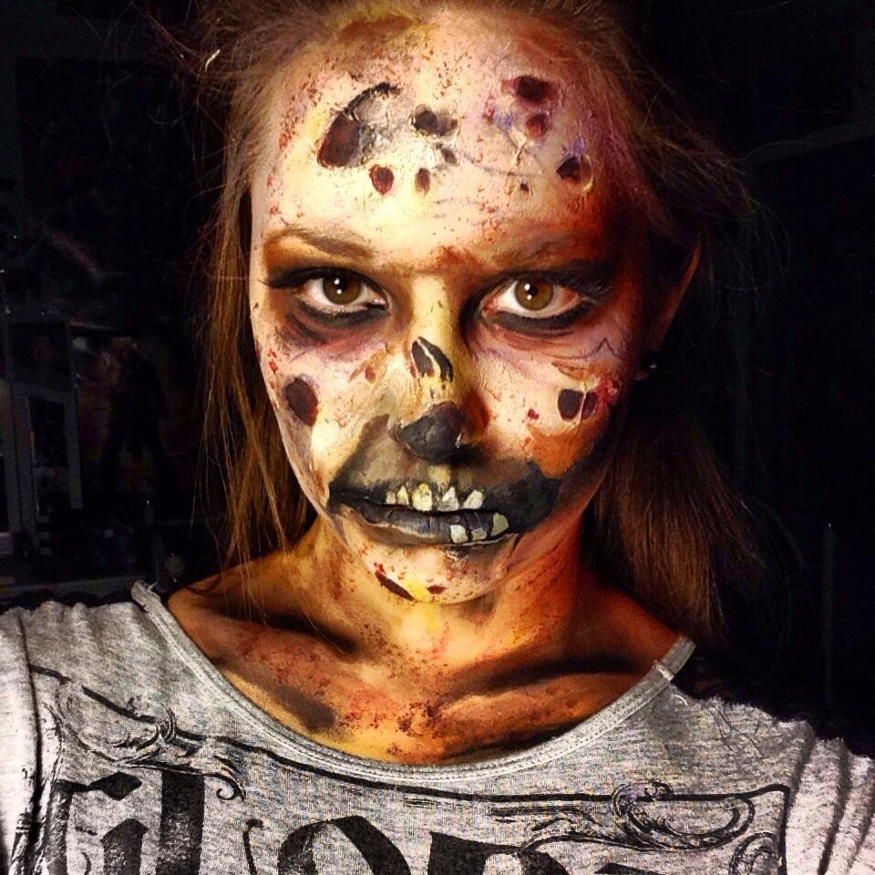 Zombie :) by captainsarasparrow