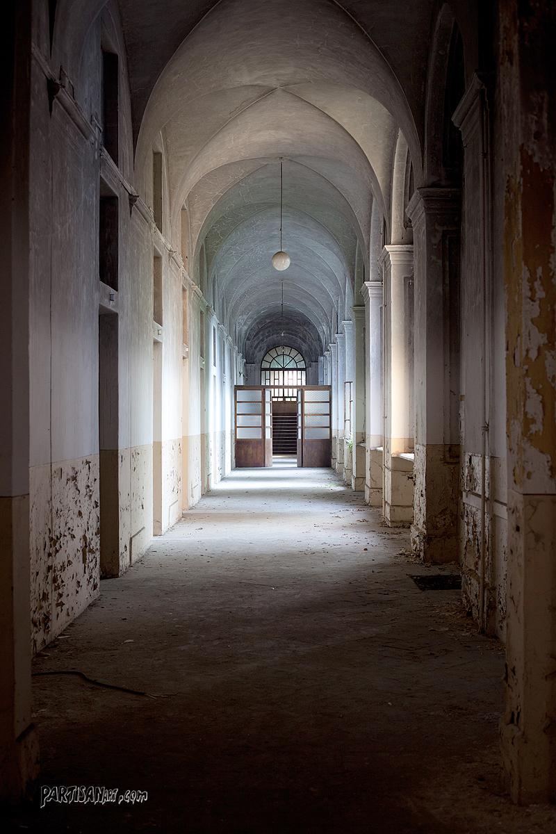 corridor #3598 by thePartisan