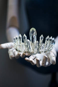 Statement crystal crown