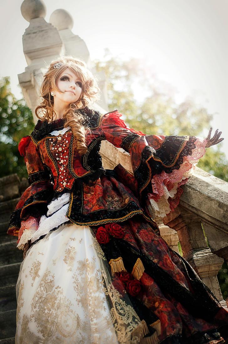Versailles: Hizaki by Alvi