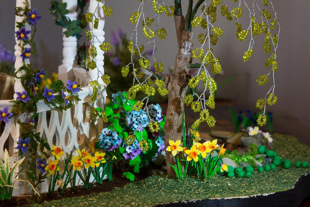 Daffodils and Hydrangea by MayEbony