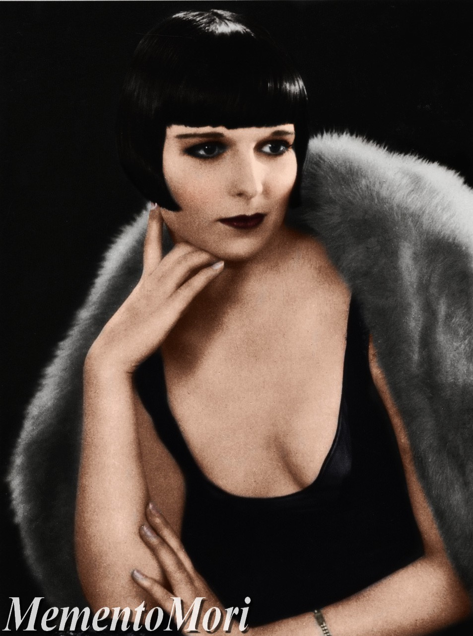 Louise Brooks III by M3ment0M0ri