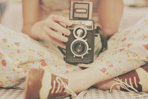 vintage camera by Aquatutorials