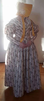 1830's day dress and a 1840's bonnet